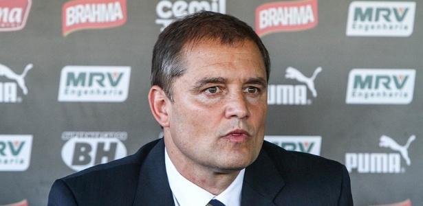 Novo técnico do Atlético-MG, Diego Aguirre ainda não recebeu nenhum reforço para a temporada 2016