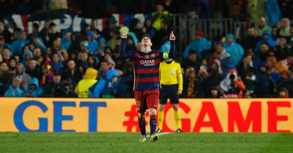 Lionel Messi comemora após marcar o terceiro gol do Barcelona contra o Arsenal pela Liga dos Campeões