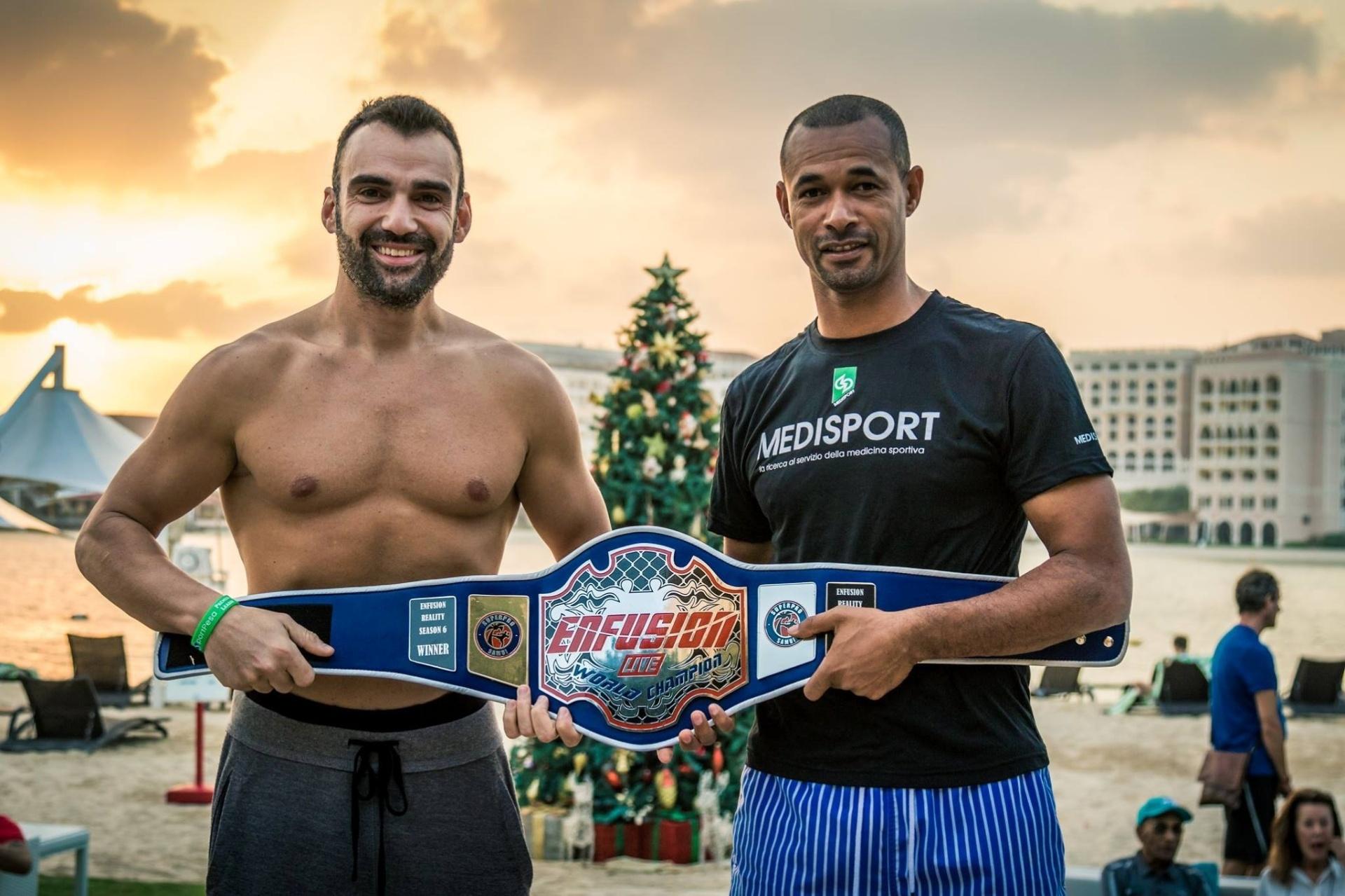 Ex-jogador, Zé Maria se torna lutador de kickboxing