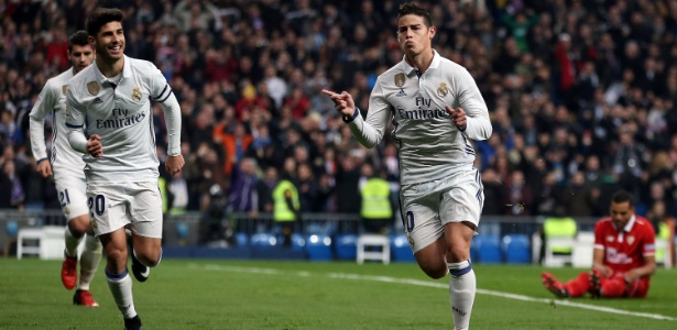 James Rodríguez comemora gol do Real Madrid contra o Sevilla na Copa do Rei