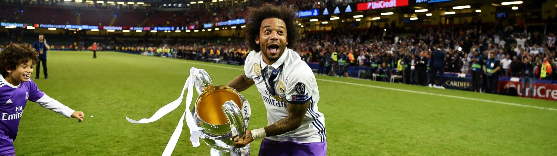 Marcelo finge jogar a taça da Liga dos Campeões para a torcida do Real