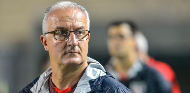 Dorival Júnior completará 17 jogos à frente do São Paulo nesta quarta-feira - GUGA GERCHMANN/RAW IMAGE/ESTADÃO CONTEÚDO