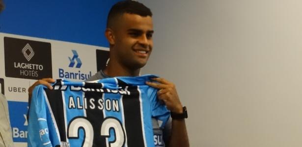 Alisson é apresentado como jogador do Grêmio para temporada 2018
