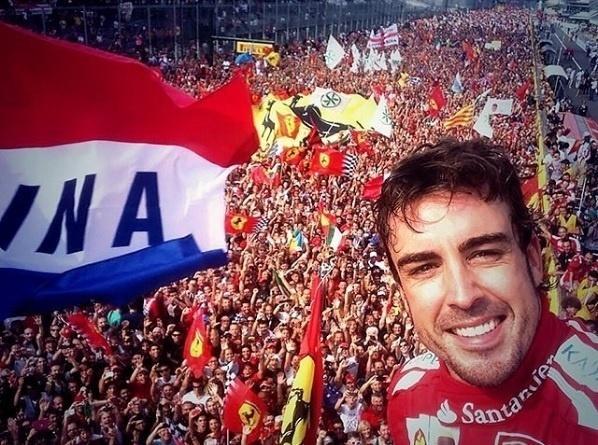 Fernando Alonso posta no Instagram selfie no pódio do GP de Monza