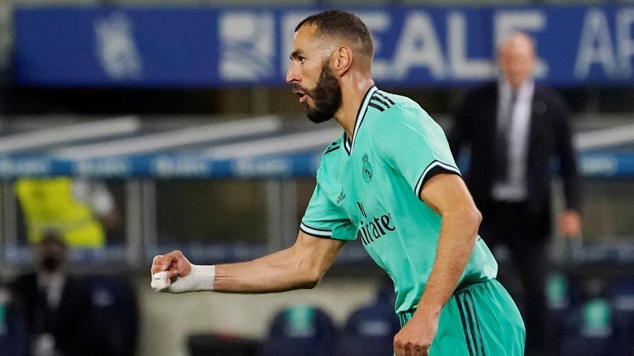 Benzema comemora gol do Real Madrid sobre a Real Sociedad - REUTERS/Vincent West