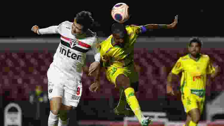 Disputa durante a partida entre São Paulo e Mirassol - Rubens Chiri / saopaulofc.net - Rubens Chiri / saopaulofc.net