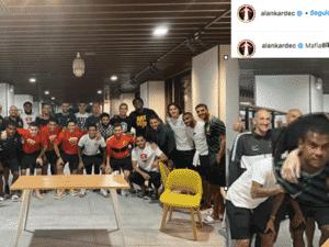 Fernando, no destaque, em meio aos demais jogadores de sua equipe, em publicação no Instagram do atacante Alan Kardec - Reprodução - Reprodução
