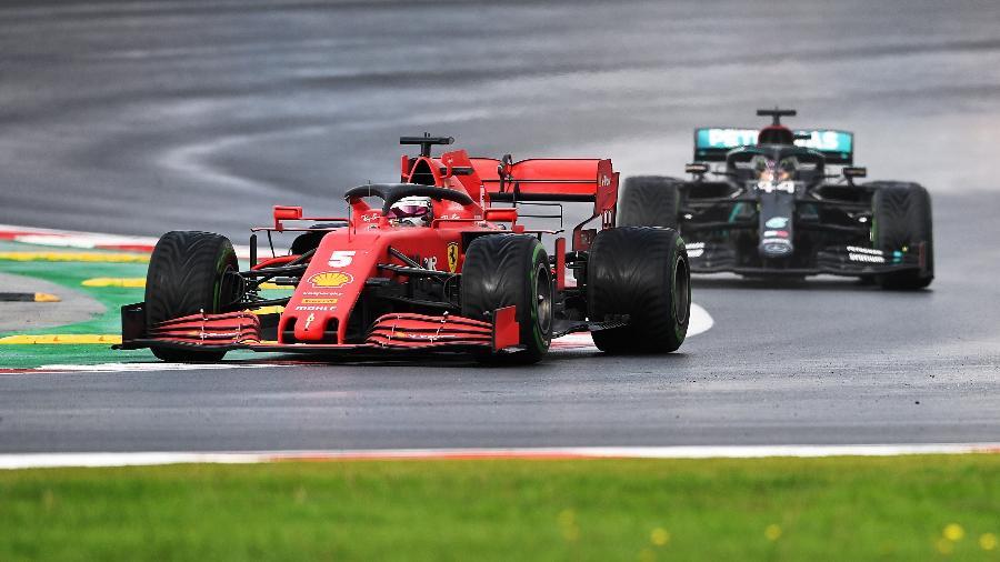 Disputado sob chuva, o GP da Turquia foi um dos melhores de 2020 - Pool/Getty Images