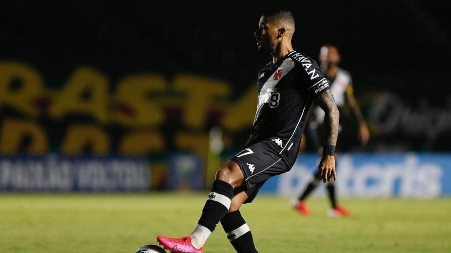 Lateral esquerdo Henrique deu uma assistência e salvou duas bolas em cima da linha nos últimos dois jogos do Vasco - Rafael Ribeiro / Vasco