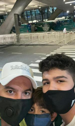 Silvio Arroyo e os filhos viajaram para o Qatar para acompanhar o Palmeiras