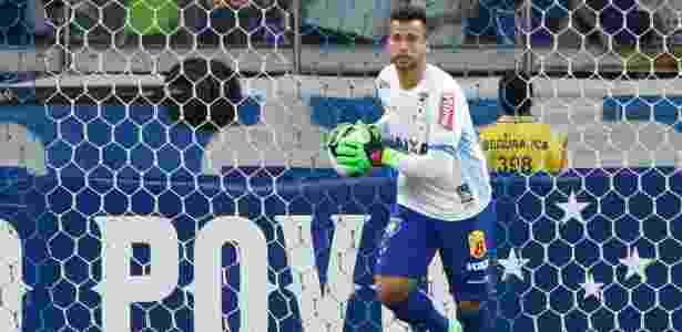 bec51473a7 Fábio vê dois tempos distintos contra lanterna e cobra melhora do Cruzeiro