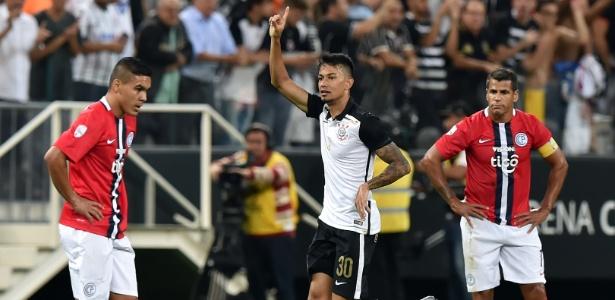 Corinthians completou um mês sem principal patrocínio. Contrato com a Caixa acabou