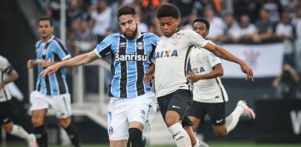 André saiu vaiado pela torcida no empate contra o Grêmio pelo Brasileirão