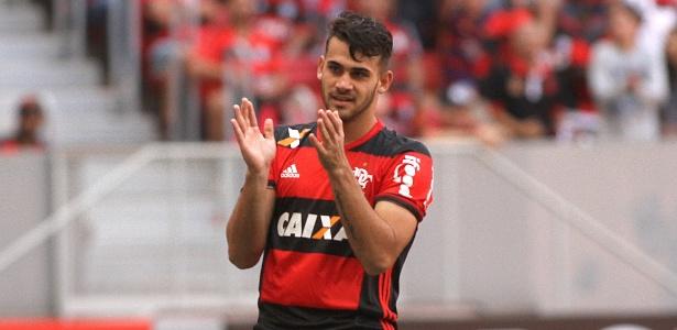 O atacante Felipe Vizeu é um dos convocados e pode desfalcar o Flamengo no Brasileiro