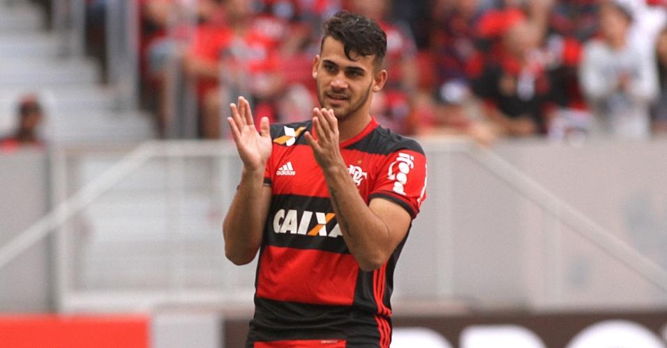 Felipe Vizeu foi o nome do jogo na vitória do Flamengo sobre o Atlético-MG
