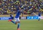 Defesa funciona, Jesus brilha e Brasil vence em estreia de Tite - AFP PHOTO / RODRIGO BUENDIA