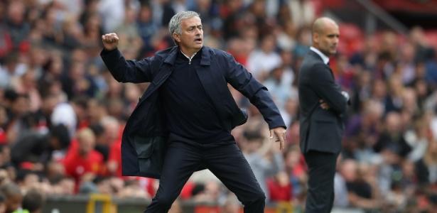 Após três derrotas seguidas pelo United, Mourinho começa a ser questionado