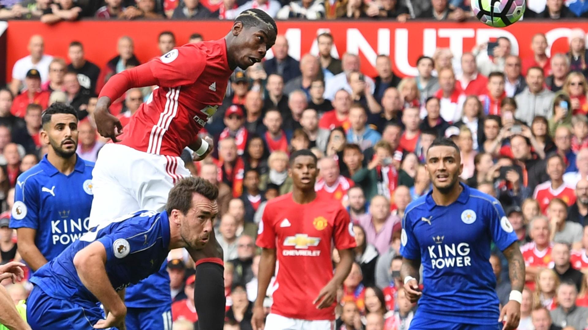 Pogba cabeceia para marcar seu primeiro gol pelo Manchester United