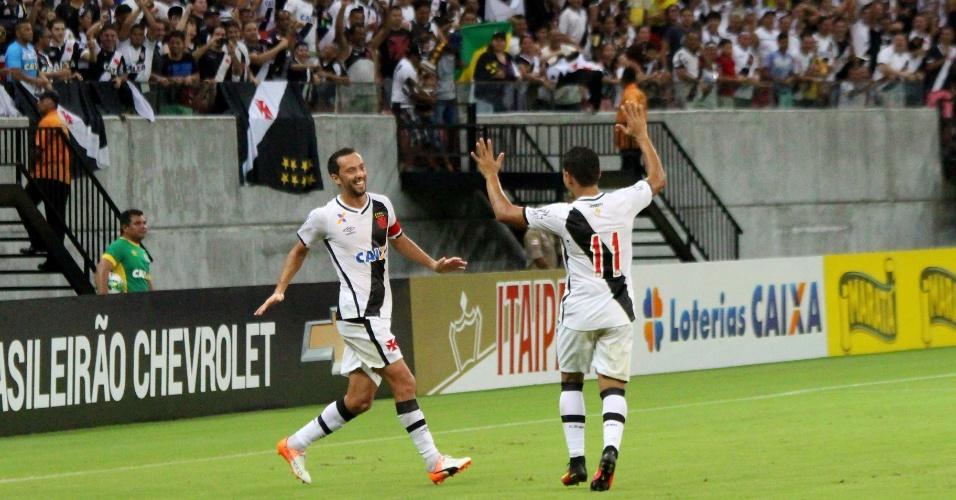 Vasco comemora gol diante do Londrina na Arena da Amazônia, em Manaus