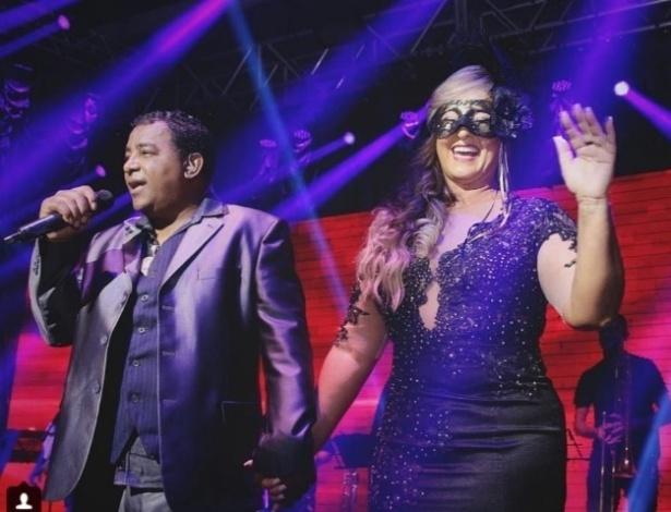 Raça Negra cantou na festa de aniversário de 50 anos da mãe de Neymar