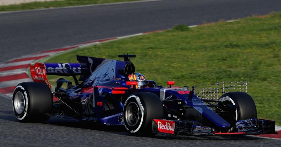 Carlos Sainz fez a estreia da Toro Rosso com sua nova pintura