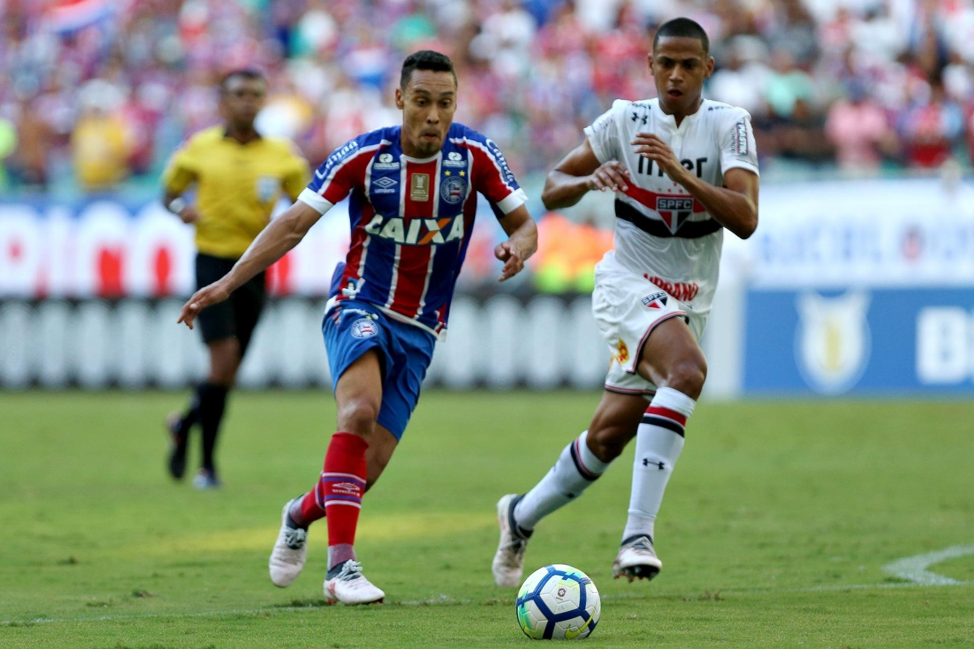 São Paulo faz golaço nos acréscimos e arranca empate contra Bahia -  13 05 2018 - UOL Esporte e29f90bb6a12a
