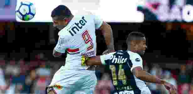 Diego Souza marcou dois dos gols de cabeça do Tricolor sob o comando do uruguaio - Marcello Zambrana/AGIF