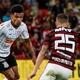 Saiba como assistir ao duelo entre Corinthians e Flamengo no Brasileirão