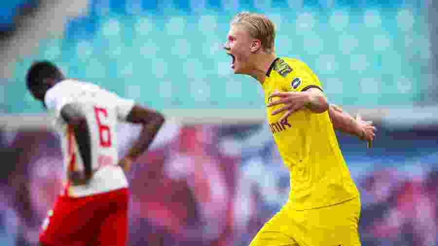 Haaland comemora gol pelo Borussia Dortmund - Reuters