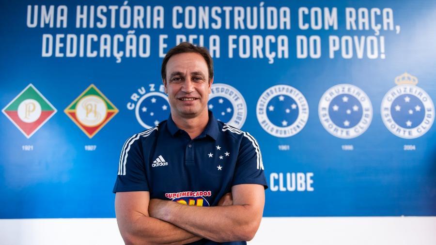 Felipe Conceição chega ao Cruzeiro com a missão de recolocar o clube na Série A do Campeonato Brasileiro - Bruno Haddad/Cruzeiro