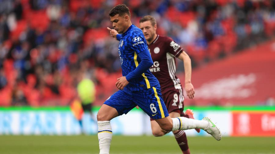 Thiago Silva, durante final da Copa da Inglaterra entre Chelsea e Leicester - Marc Atkins/Getty Images