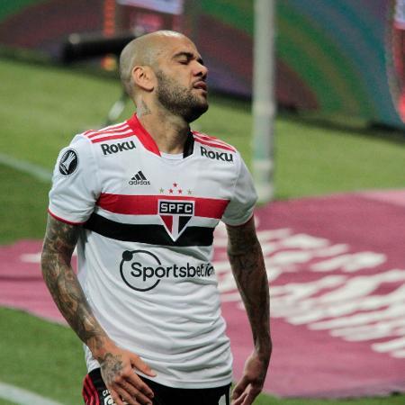 Daniel Alves não jogará mais pelo São Paulo - VINICIUS NUNES/AGÊNCIA F8/ESTADÃO CONTEÚDO