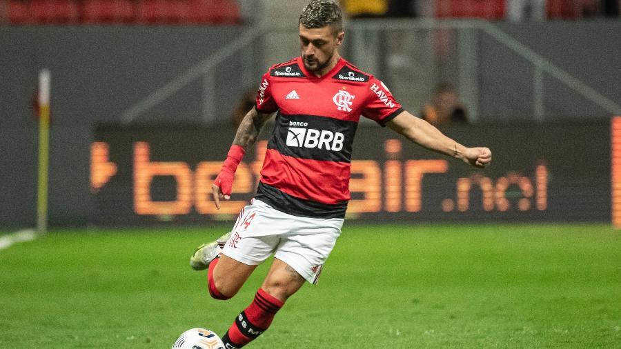 Arrascaeta em ação pelo Flamengo diante do Olimpia-PAR - Alexandre Vidal / Flamengo