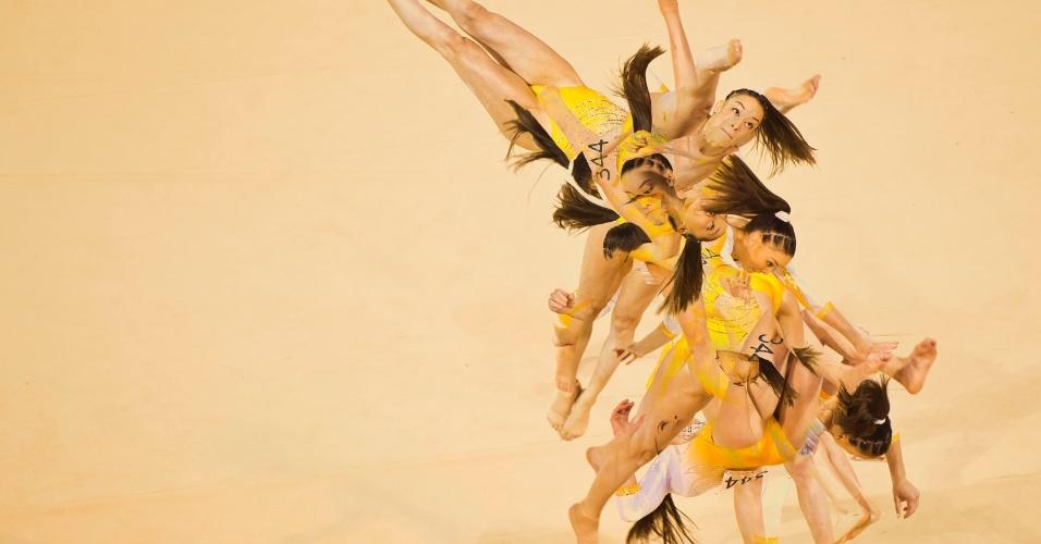 A ginasta Paula Mejias, de Porto Rico, se apresenta, em Toronto