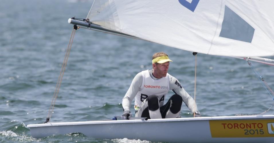 Robert Scheidt disputa prova de vela na classe laser. Brasileiro conquistou a medalha de prata