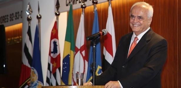 Leco sorri no Morumbi; presidente discutiu publicamente com seu vice, Roberto Natel