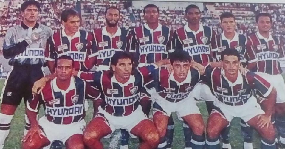 Sorlei (segundo, em pé) com a equipe do Fluminense em 1995