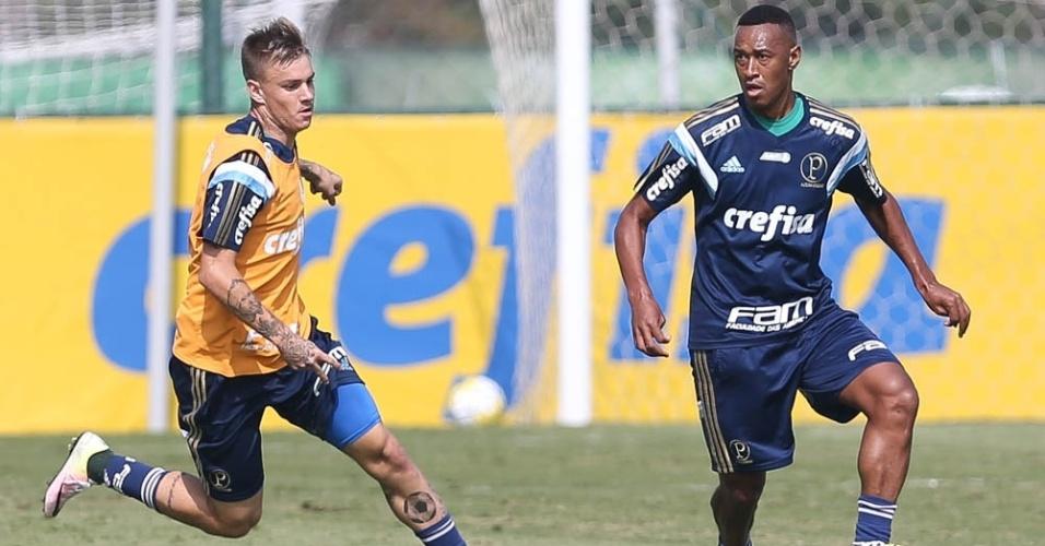 Róger Guedes e Fabrício participam de treino do Palmeiras na Academia de Futebol