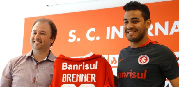 Troca de técnico fez Inter segurar todos atacantes para avaliação. Inclusive Brenner - Jeremias Wernek/UOL Esporte