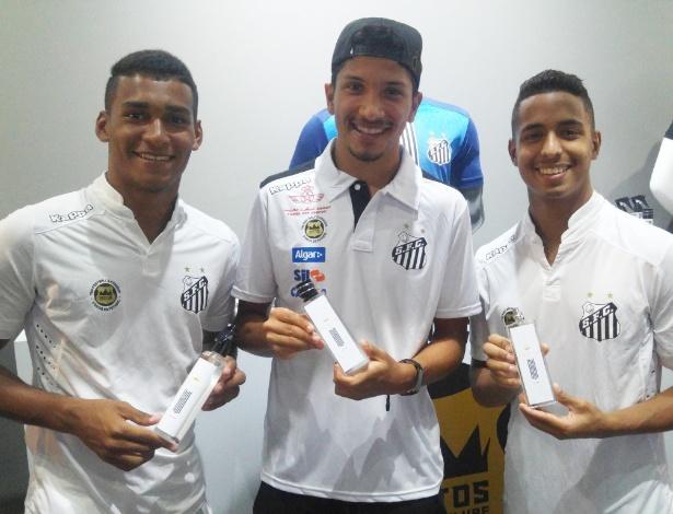 Jogadores do Santos em evento de lançamento do perfume Ocean