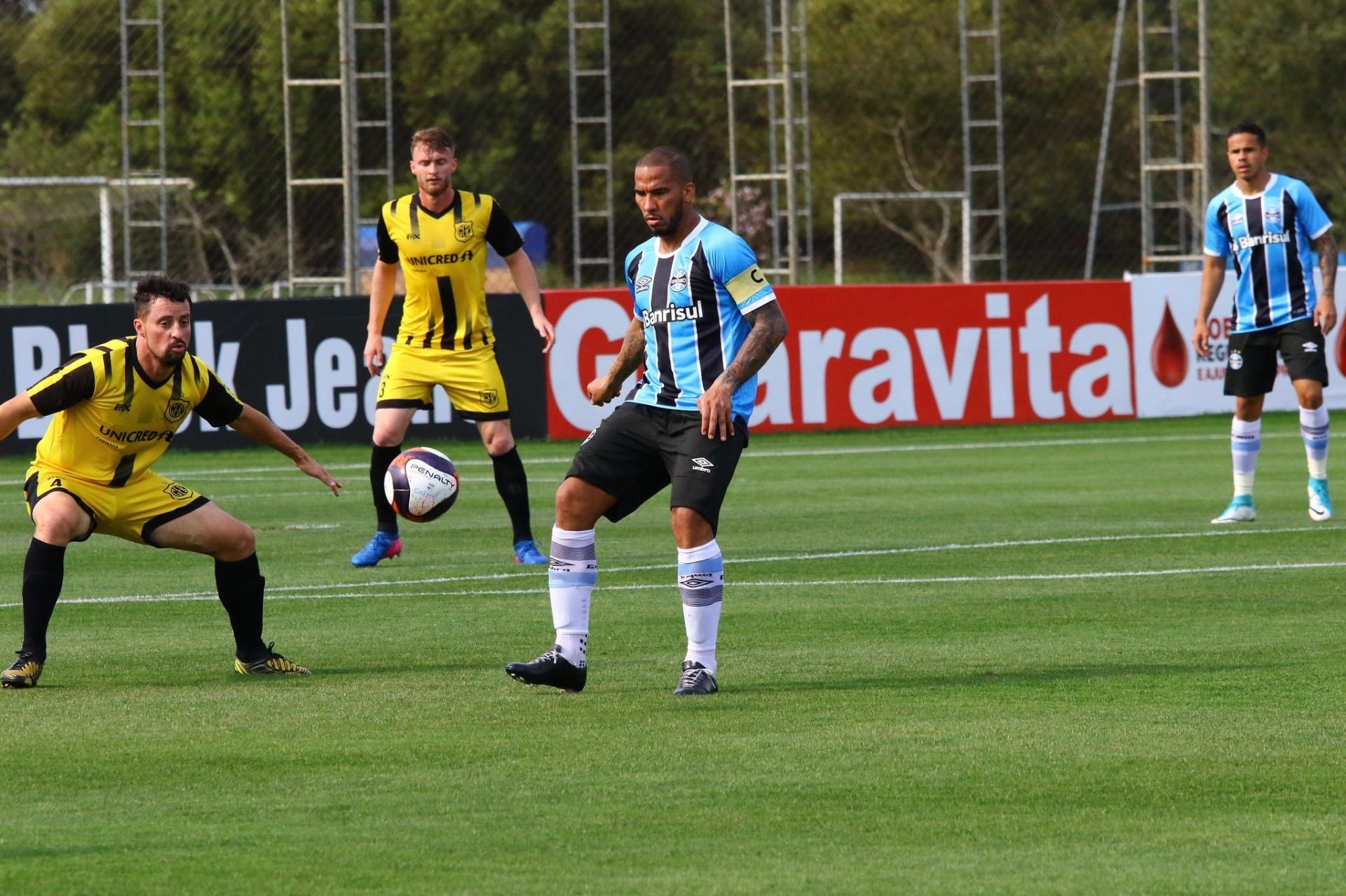 Por que Jael é visto como importante e deve ganhar chances no Grêmio -  27 09 2017 - UOL Esporte 91ff7c0a1e9c4