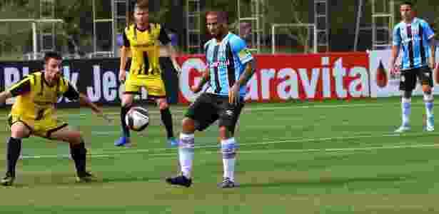 Jael deve ser titular contra o Fluminense e disputa vaga na Libertadores - Divulgação/Grêmio