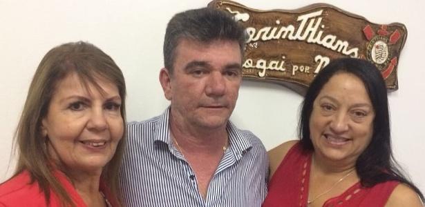 Andrés Sanchez posa com Edna Murad Hadlik e Maria de Lourdes Jacob Mattavo