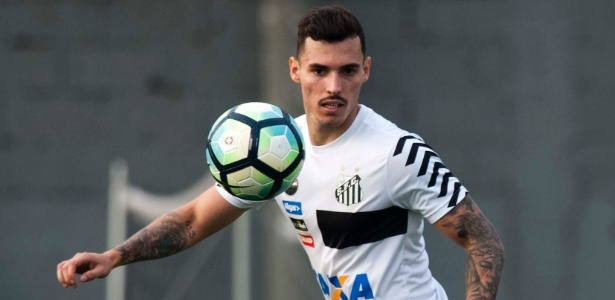 Lateral está sem atuar desde que entrou em litígio com o Santos e tem imbróglio na Justiça - Ivan Storti/Santos FC