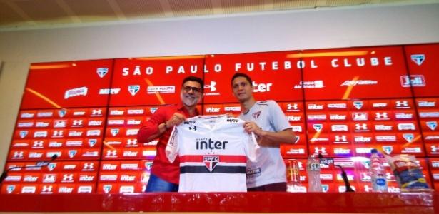 Anderson Martins foi apresentado pelo coordenador de futebol Ricardo Rocha
