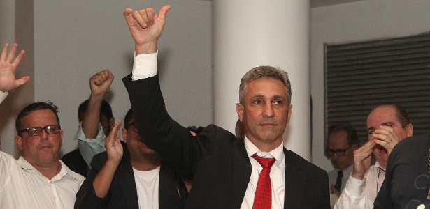 Alexandre Campello comemora sua vitória na eleição do conselho do Vasco - Paulo Fernandes / Flickr do Vasco