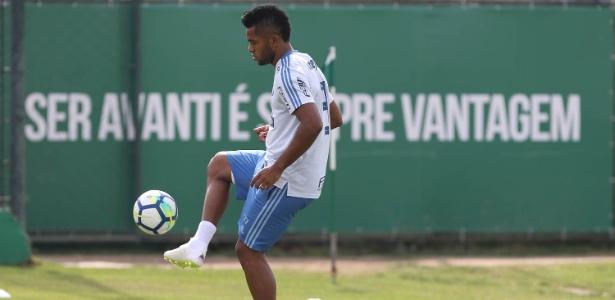 Borja já treina com bola e terá volta antecipada após operar o joelho - Cesar Greco/Ag. Palmeiras