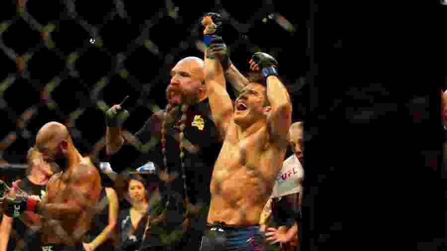 Henry Cejudo derrota Demetrious Johnson no UFC 227 - Diego Ribas/Ag. Fight