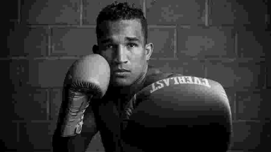 """Retrato do boxeador Esquiva Falcão para a seção """"Minha História"""" - Lucas Lima/UOL"""