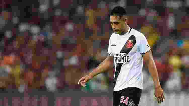 Werley lamenta gol sofrido pelo Vasco em partida contra o Flamengo - Thiago Ribeiro/AGIF - Thiago Ribeiro/AGIF